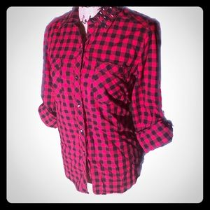 NWOT- Checkered Studded Collar Button Down Top